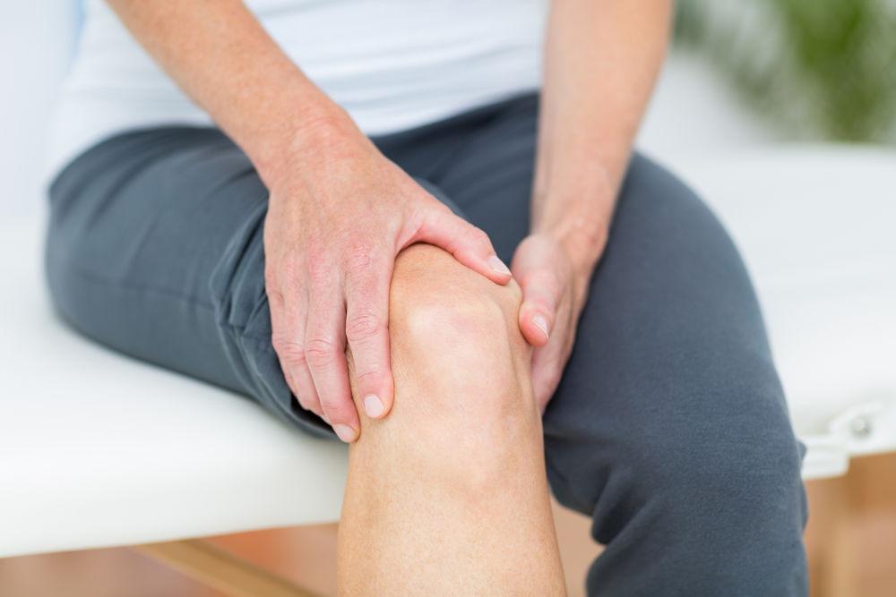 umflarea articulației mâinii și durere)