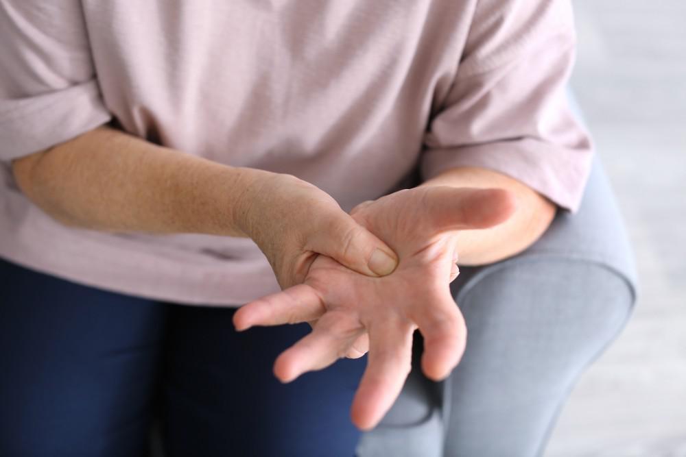 mâinile deteriorate de artrită