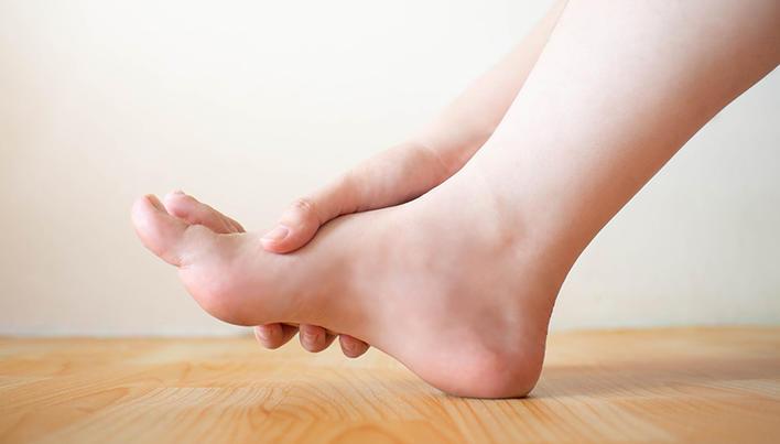 Semne de artrită reumatoidă a gleznei,