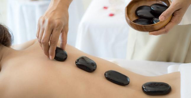 articulații ale unui terapeut de masaj)