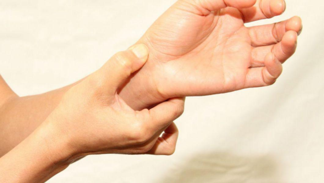 durerile de la încheietura mâinii și degetelor