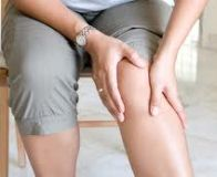 atrăgând durere în spatele genunchiului)