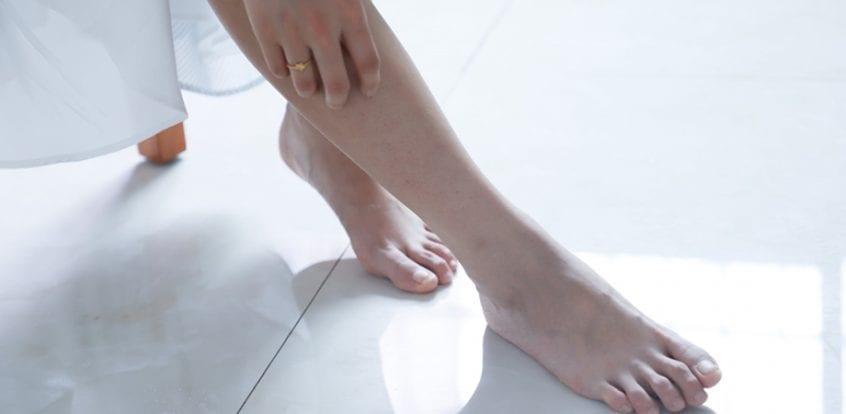 umflarea pe articulațiile picioarelor