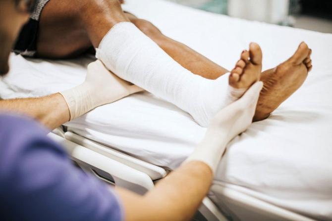ce să faci dacă piciorul doare în articulație)