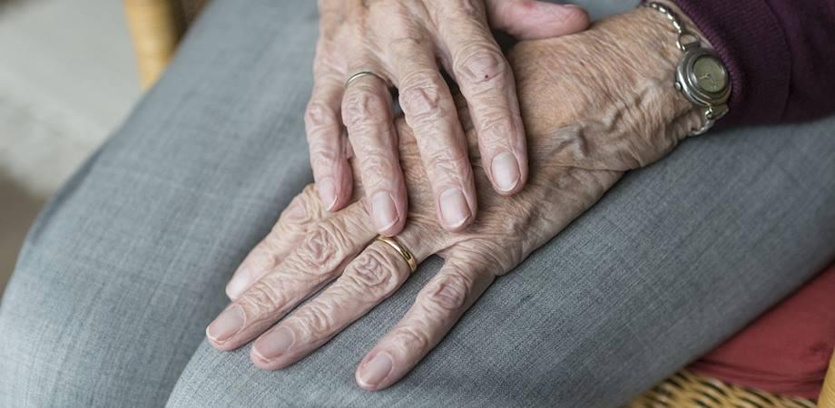 artrita și artroza articulațiilor)