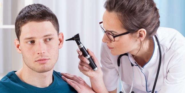 o ureche doare din cauza unei articulații