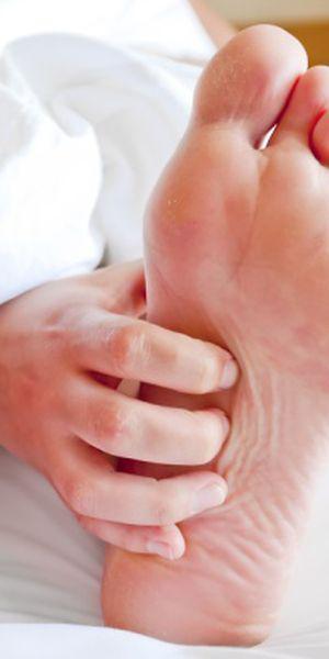 dureri de dimineață în articulațiile brațelor picioarelor)