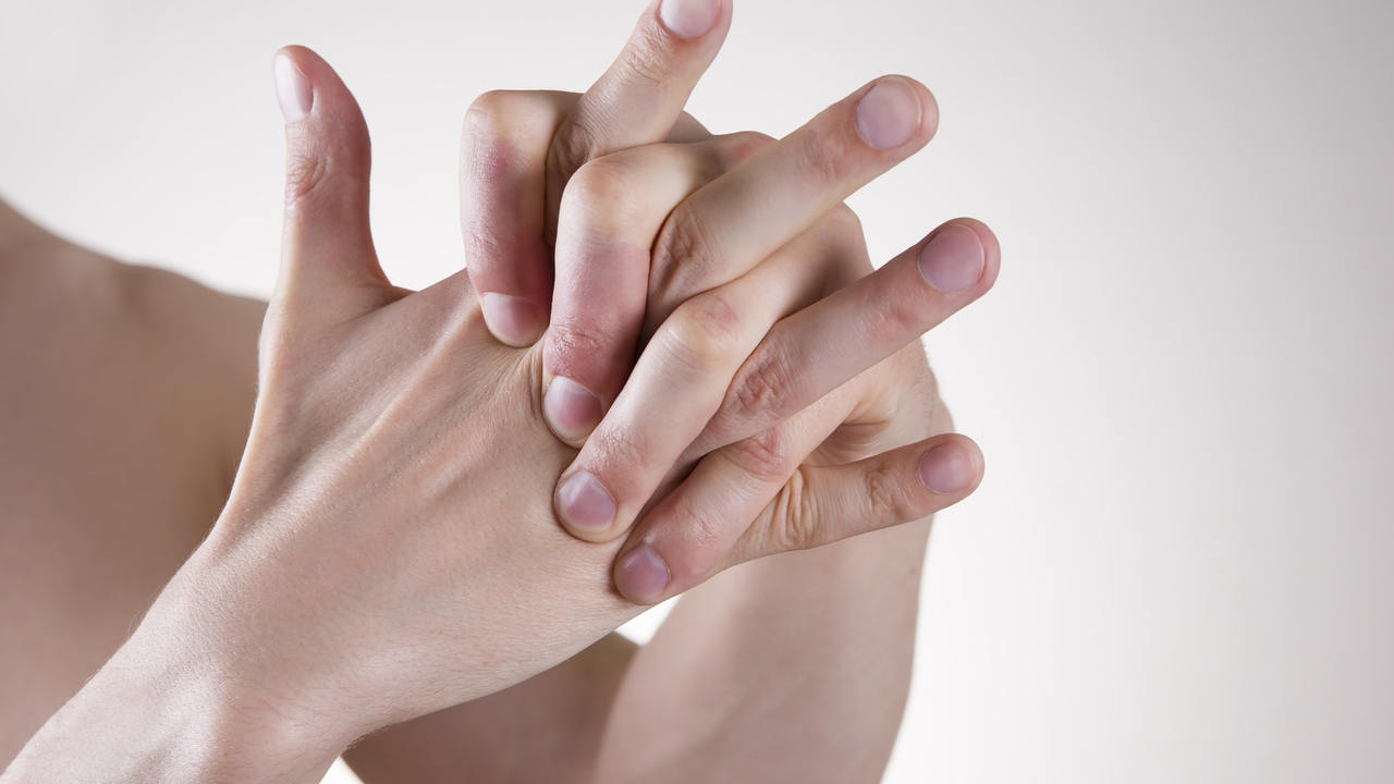 Toate articulațiile crunch modul de a trata - Cum să alinați durerea în articulația mâinii