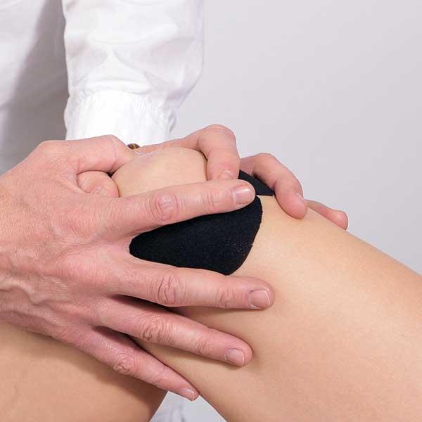 articulație de genunchi din titan)