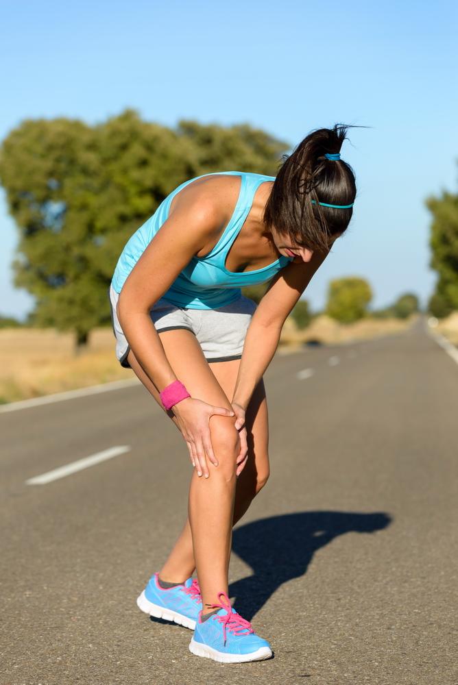 atingerea genunchiului în durere)