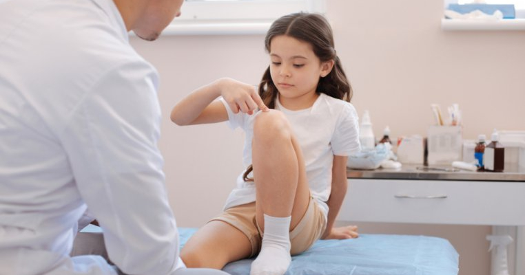 tratamentul durerii la genunchi la copii)