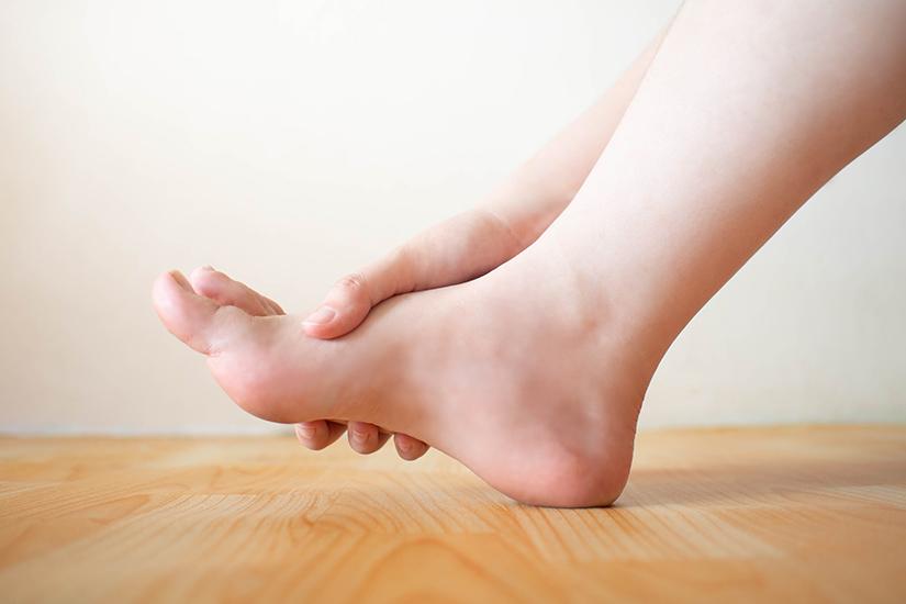 inflamația articulațiilor degetelor mici ale picioarelor durere intermitentă în articulații și picioare