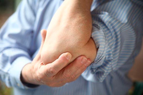 Simptomele și tratamentul nervului ciupit în articulația umărului
