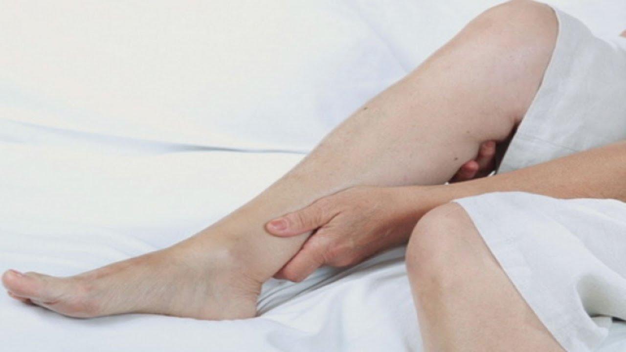 atenuând dureri în articulațiile picioarelor)